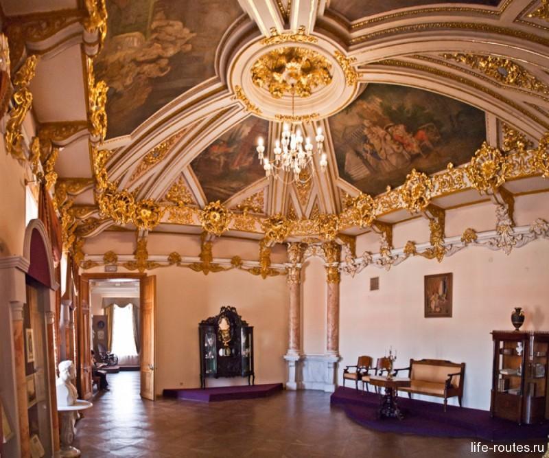 Интерьер дворца Алфераки