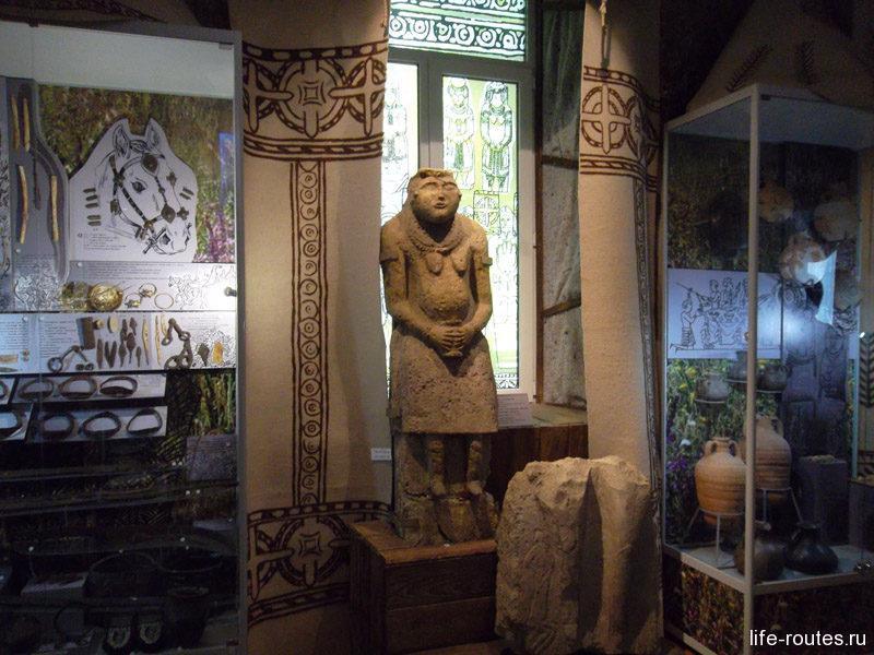 Культуру половцев на Дону отражают многочисленные каменные изваяния