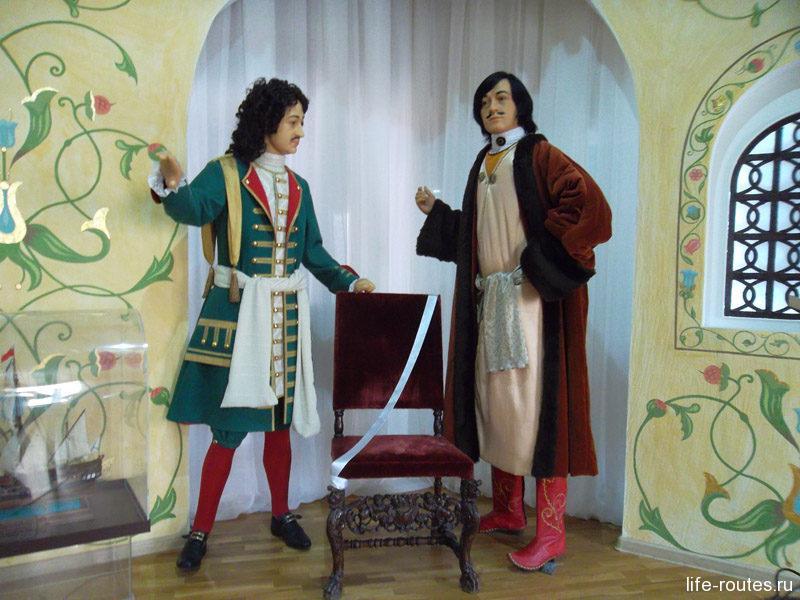Царская эпоха в Азовском музее представлена красочными инсталляциями