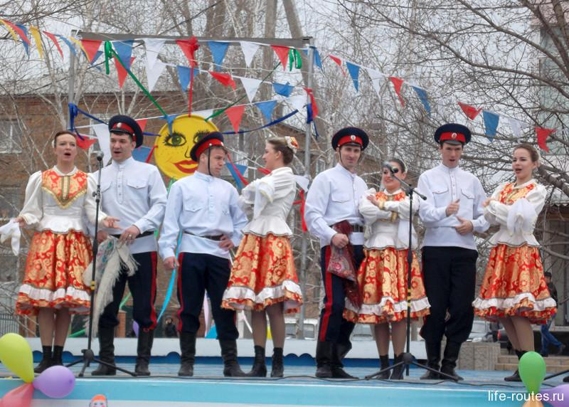 """Фольклорно-танцевальный ансамбль """"Донское сияние"""""""