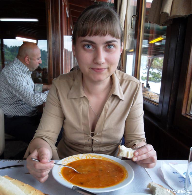 Суп Фасолада в таверне на Олимпе