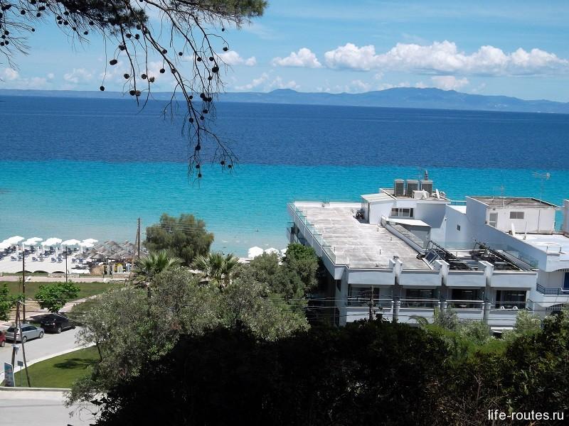 Удивительная бирюза Эгейского моря недалеко от Калифеи (п-в Халкидики)