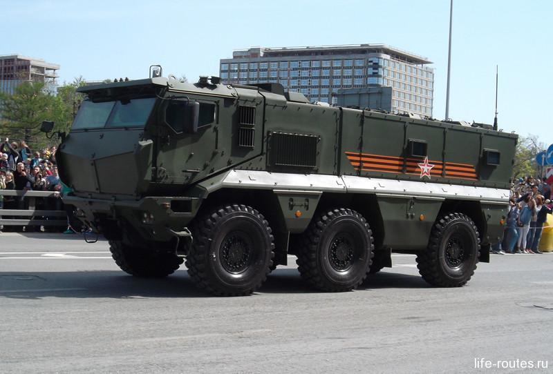 Универсальный бронированный автомобиль повышенной защищенности «Тайфун»