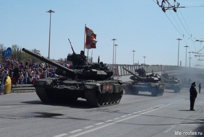 "Новейший танк Т-14 ""Армата"""