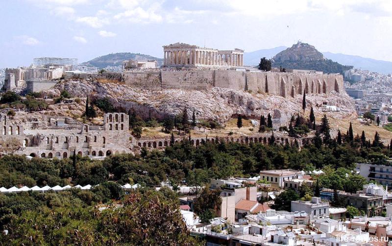 Вид на Афинский акрополь