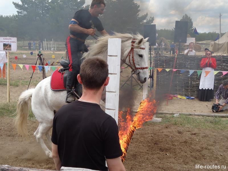 Очень зрелищным оказалось преодоление огненных препятствий
