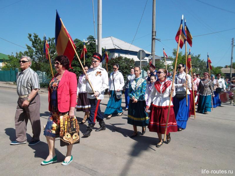 Фольклорные коллективы созывают гостей на праздник