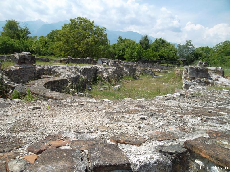 Строительство православной церкви так и не было завершено