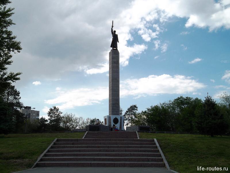 Памятник чекистам на одноименной площади