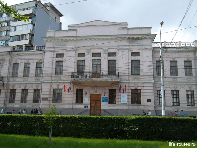 Центральное здание краеведческого музея в Волгограде