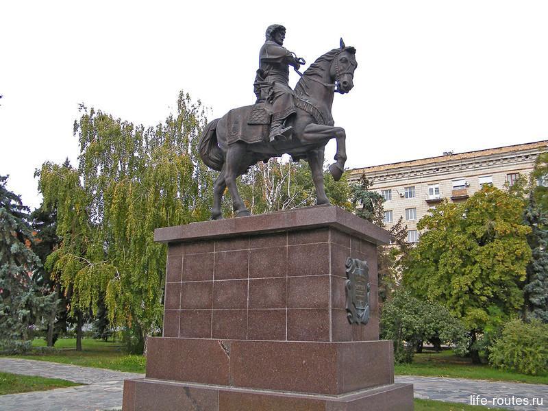 Памятник основателю Царицына (Волгограда) Григорию Засекину