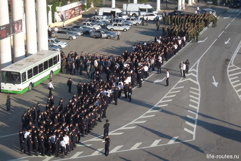 Полицейские кордоны выставляют до 7 утра