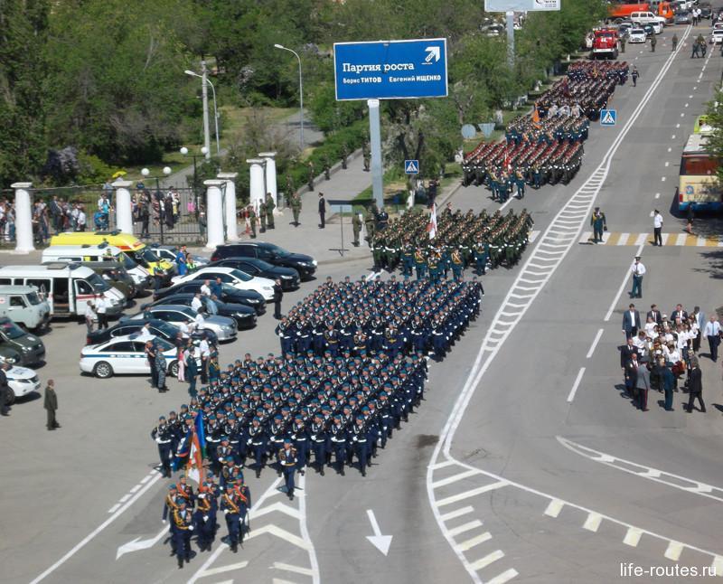 9 мая 2016 года в праздничном шествии приняли участие около 2000 офицеров и курсантов