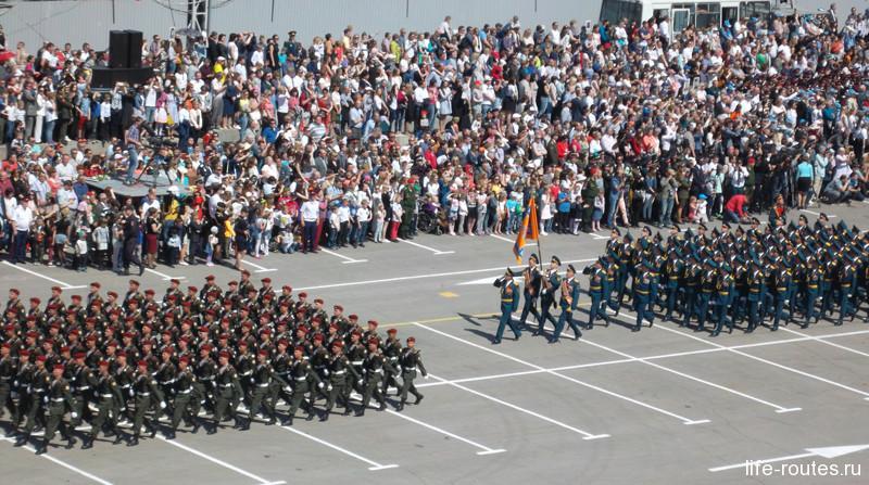 В праздничном строю офицеры и курсанты со всей Волгоградской области