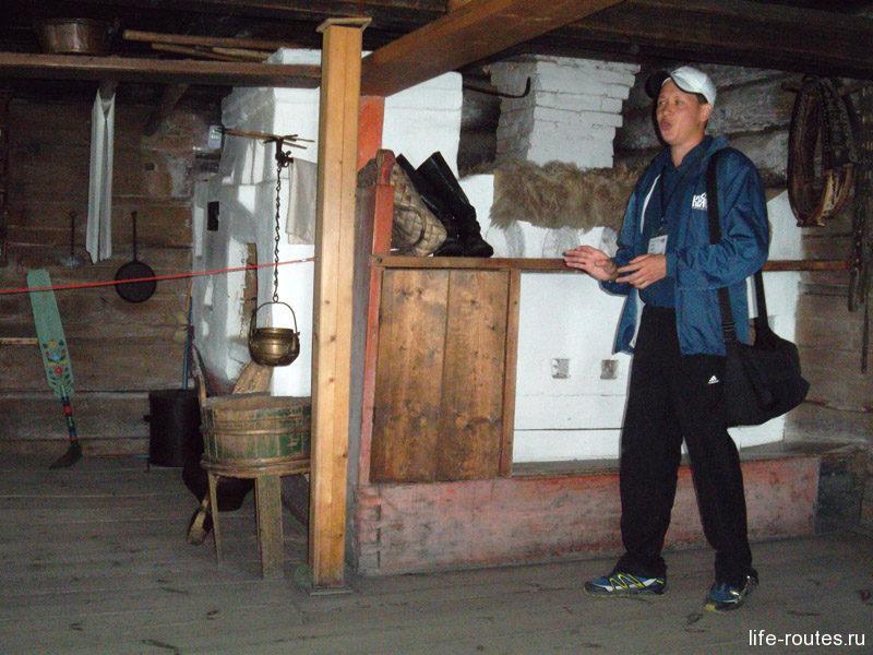 Печь в доме занимает центральное место. Рядом с ней живет вся семья