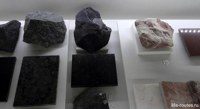 Минералы, найденные на территории Карелии. Среди них шунгит и малиновый кварцит, которые встречаются только здесь
