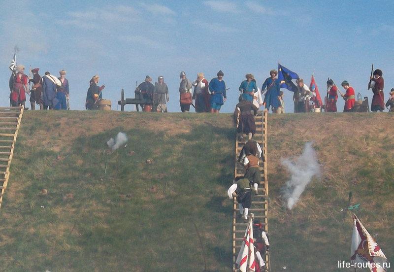 Вал штурмуют европейцы, воевавшие на стороне турецкой армии