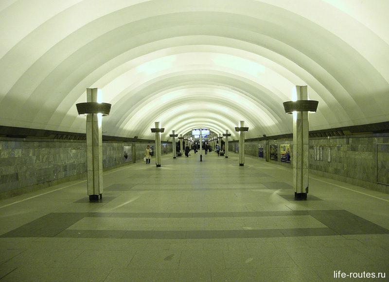 """Станция метро """"Ладожская"""" в Санкт-Петербурге"""