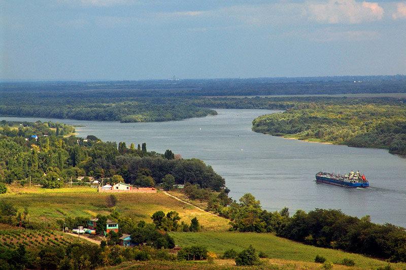 Уже на подъезде к Пухляковскому перед глазами открывается шикарная панорама Дона
