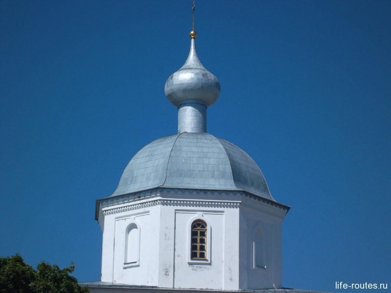 Купол церкви в честь иконы {amp}quot;Живоносный источник{amp}quot;