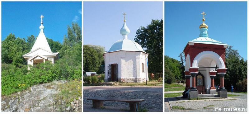 Часовни в Монастырской бухте: Покровская (слева), Благовещенская (в центре) и часовня во имя иконы {amp}quot;Всех скорбящих радость{amp}quot; (справа)