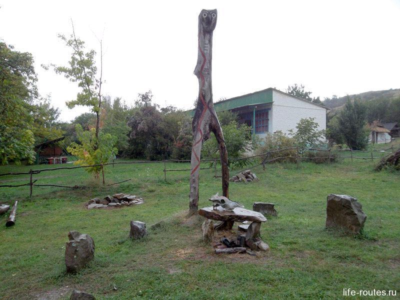 Святилище в поселке каменного века