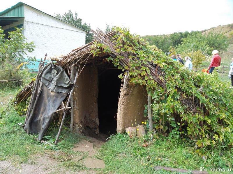Жилой дом эпохи позднего каменного века.