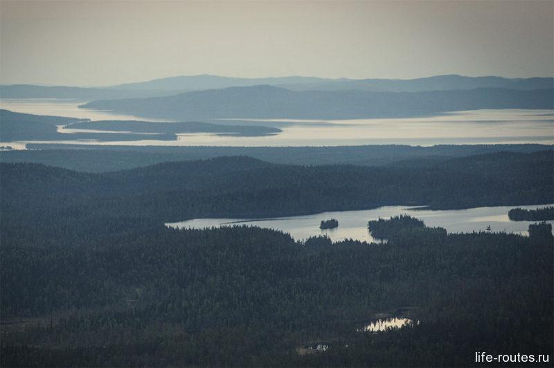 """Вид с вершины горы Нуорунен, которую еще называют """"крышей Карелии"""""""