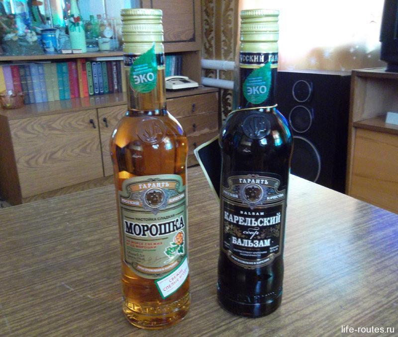 Из крепких алкогольных напитков популярны ягодные настойки и Карельский бальзам