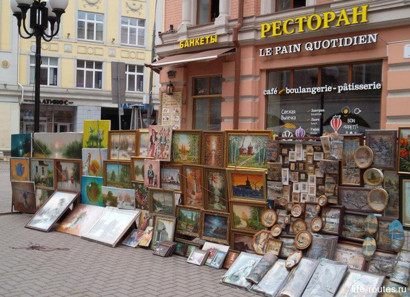 Невозможно представить Старый Арбат без уличных художников и музыкантов