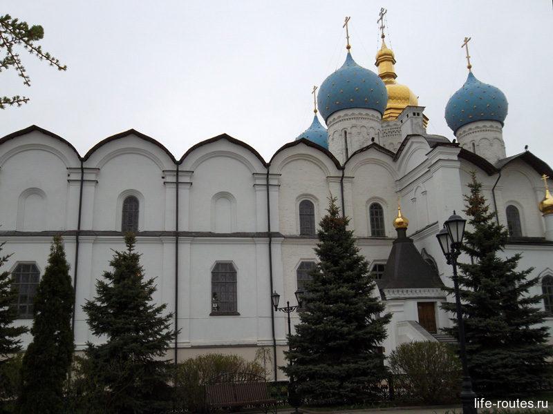 Иван Грозный повелел построить в покоренной Казани Благовещенский собор и другие храмы и монастыри