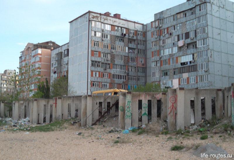 """""""Темная"""" сторона больших городов - горы мусора. Чем дальше от цивилизации, тем меньше заметны ее следы."""