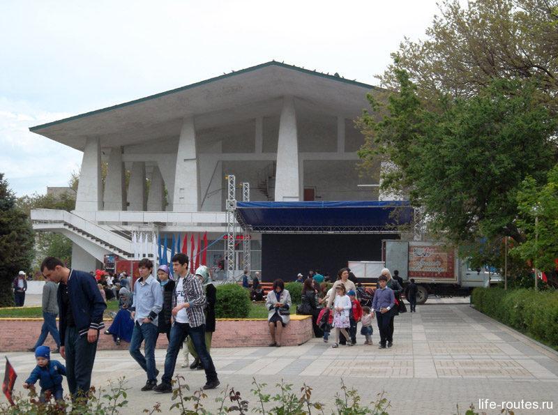 Аварский театр им. Гамзата Цадасы