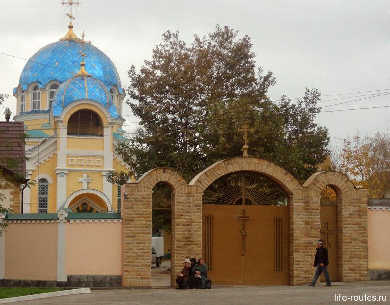 Успенский собор в Кировском районе - единственный православный храм на территории города